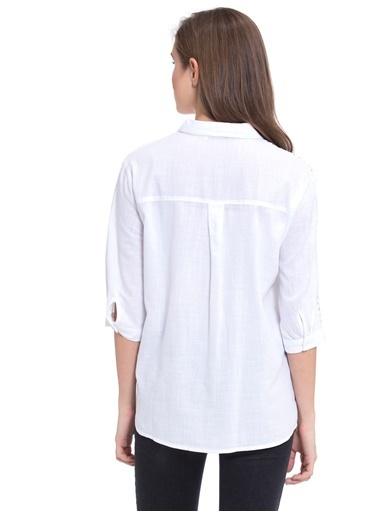 LC Waikiki Omuz Detaylı Gömlek Beyaz